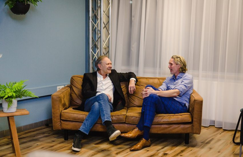 Rob de Nijs en hoogleraar neurologie Bas Bloem